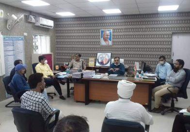 गोपालगंज: आचार संहिता को लेकर जिला के तमाम राजनीतिक दलों के साथ डीएम ने किया बैठक